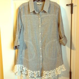 Umgee Country Striped Lace Trim Pockets Tunic